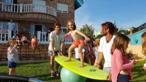 Surfcamp para niños en Gijon surf hostel